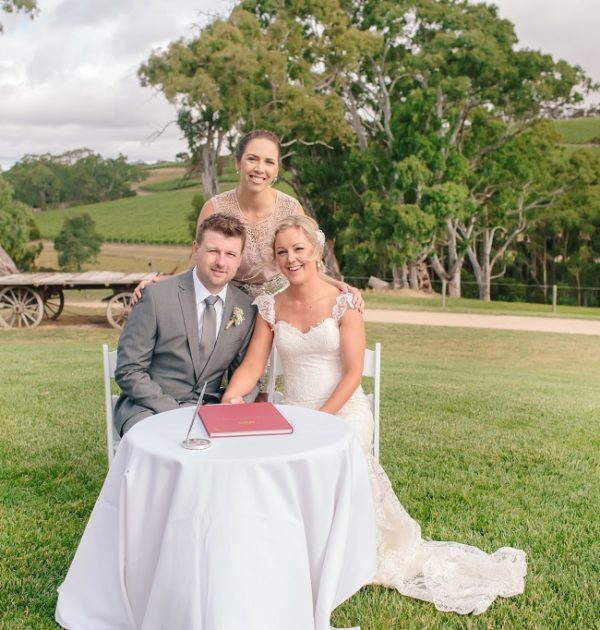 vicky-flanegan-marriage-celenrant-mclaren-vale